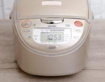 Nồi cơm điện cao tần Toshiba RC 10JG có tốt không, giá bán, nơi mua