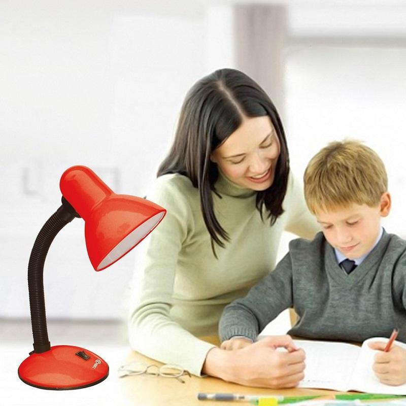 Đèn bàn Comet CT621 đồng hành cùng trẻ học tập và phát triển tư duy